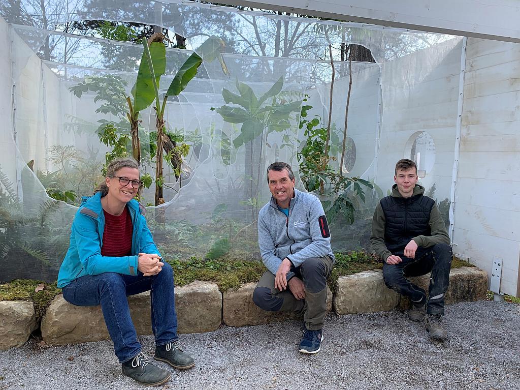 Foto (von links): Von der Gartenbauschule Langenlois Lehrerin Eva Bauer, Gärtnermeister Christian Kittenberger und Lehrling Moritz Straub  Fotograf: Franz Fuger